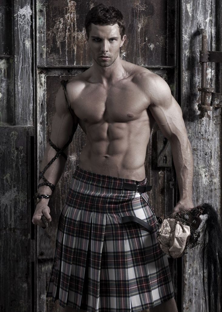 KILTS- MEN TRADITIONAL URBANE OUTFIT