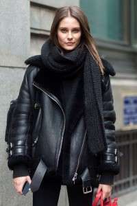 5a2e04f4b43472b782debf8935359825--black-coat-outfit-black-outfits